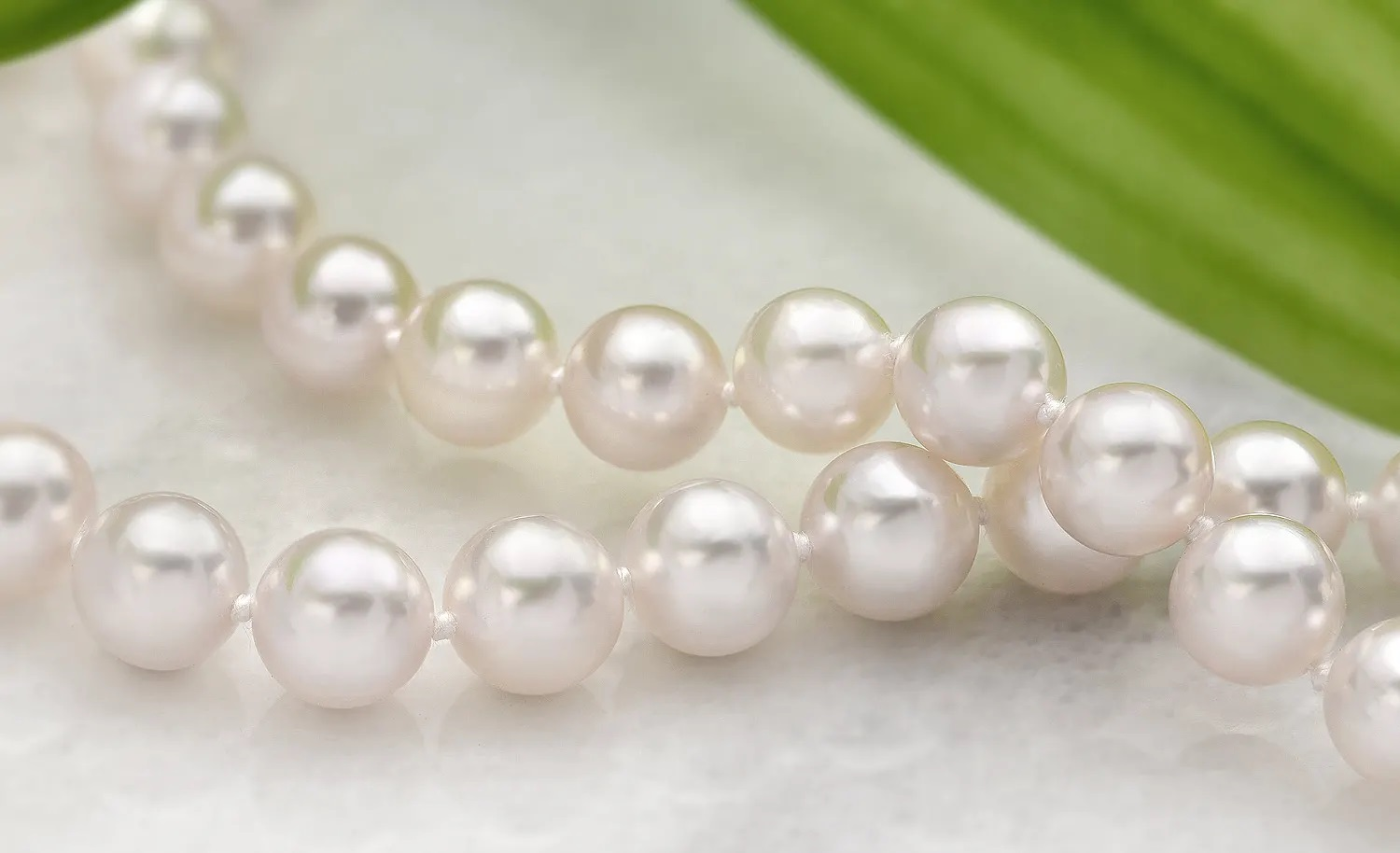 Tips to Wear Pearl Studs Earrings for Special Occasions