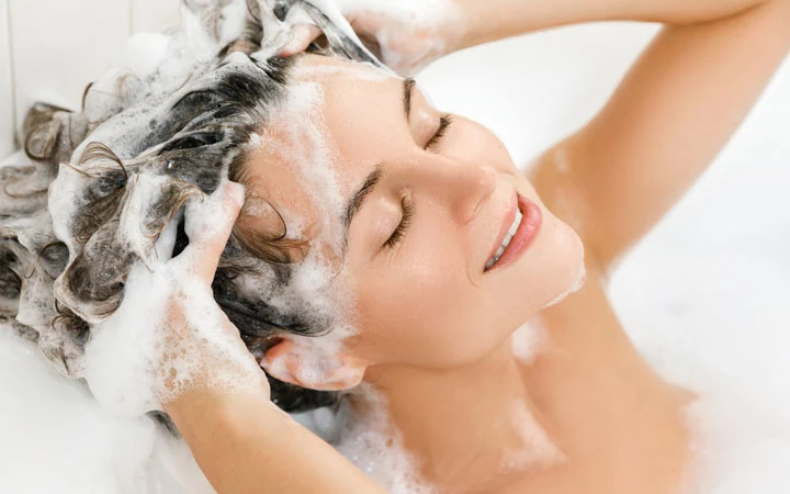 Know Why You Should Go For Oily Itchy Scalp Shampoo
